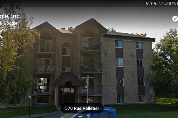 Grand 5 ½ à louer, 575 rue Pelletier, Sherbrooke (À deux pas du CÉGEP)