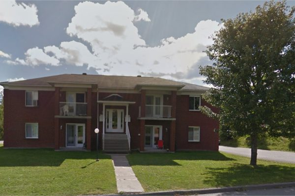 GRAND 3½, situé au 5396 rue De Gaspé, Sherbrooke